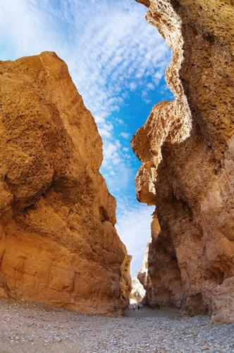 Der Sesriem Canyon mit Menschen